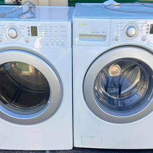 LG 3.7cuf Large Capacity 7 wash Programs Washer And 7cuf 5 Dry Programs 110v Gas Dryer for Sale in Oceanside, CA