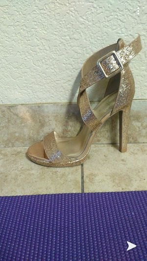 Gold high heels, Charlotte russe for Sale in Las Vegas, NV