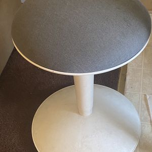 Cool Ajustable Stool for Sale in Los Angeles, CA