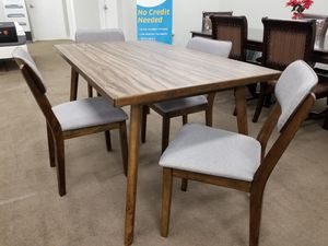NEW! Gina Dining Room Table and 4 Chairs for Sale in Clayton, NC