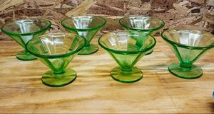 Vintage Set of 6 Vaseline Glass Sundae for Sale in Leopold, IN