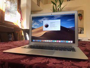 """Apple MacBook Air 2017 13"""" for Sale in Bakersfield, CA"""