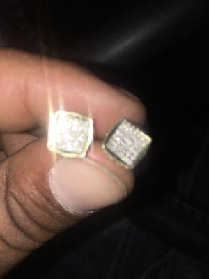 Gold vvs diamond earrings for Sale in Las Vegas, NV