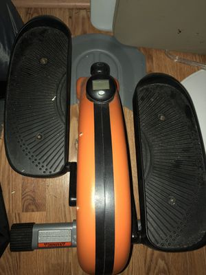 Space saver elliptical for Sale in Frederick, MD