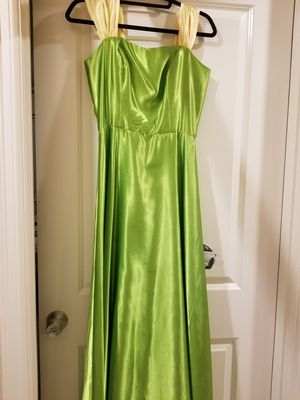 Long dress with a belt size 2-4 for Sale in Arlington, WA