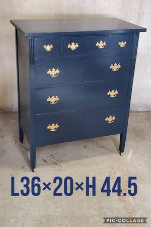 Chest dresser refinished for Sale in Cedar Hill, TX