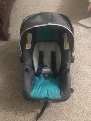 Rear-facing Baby Trend Car Seat - Like New Infant to 35 pounds for Sale in Fort Worth, TX
