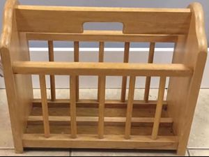 """Sturdy Wooden Magazine Newspaper Book Remote Holder Caddy Handle Household Home Rack Furniture 17"""" Long. Located in Plainfield off Route 59 and Caton for Sale in Plainfield, IL"""