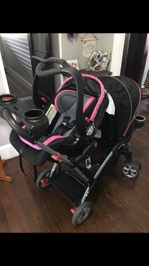 Car seat / double stroller combo for Sale in Beech Grove, IN