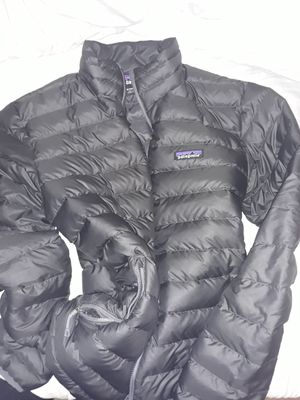 Patagonia puffy jacket size medium excellent shape check out all my other posts for Sale in Lynnwood, WA