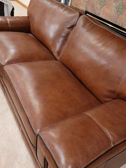 Leather Sofa (Only Used Less Than 3 Months) for Sale in Mukilteo,  WA
