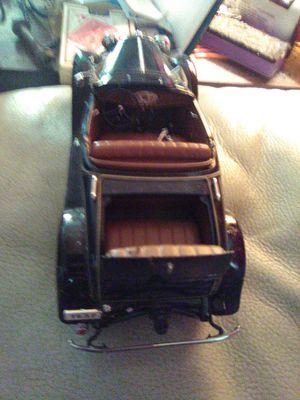 1932 Ford Deluxe Roadster V-8 1:24 Diecast Scale Model From Danbury Mint for Sale in Auburndale, FL