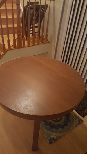 Dinning or breakfast table for Sale in Sunnyvale, CA