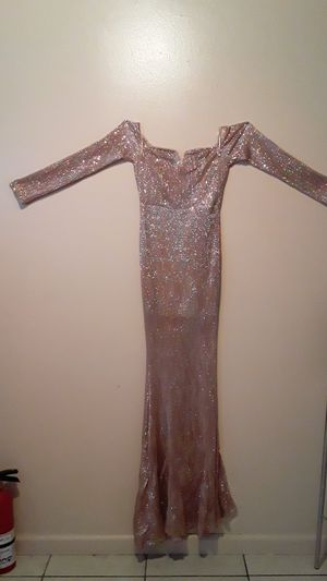 Evening dress/Prom dress/winter ball for Sale in Victorville, CA