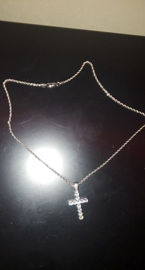 22 inch white gold rope chakn with diamond cross pendant for Sale in Brentwood, NC