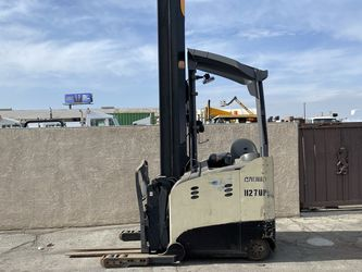 2013 Crown Rm6000 Electric Reach Forklift 140/321 Come With Battery And Charger for Sale in Whittier,  CA