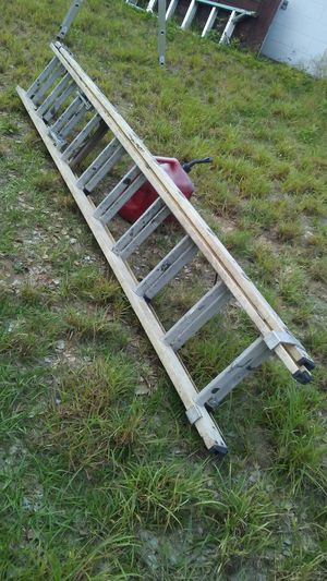 20 ft fiberglass ladder. $96 for Sale in Haines City, FL
