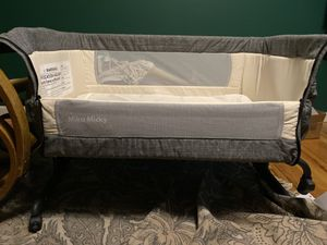 Mika Micky bassinet for Sale in Staten Island, NY