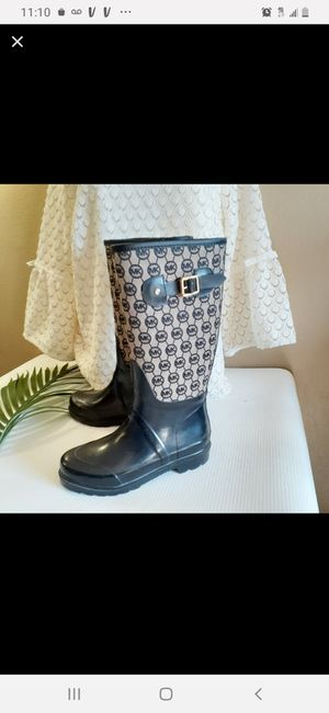 Michael Kors MK monogrammed rain boots womens size 6 for Sale in Vernon, WI