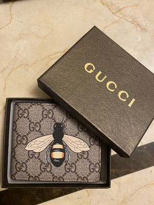 Men Gucci wallet for Sale in Phoenix, AZ