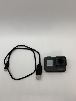 GoPro Hero 5 with extra batteries for Sale in Vero Beach, FL