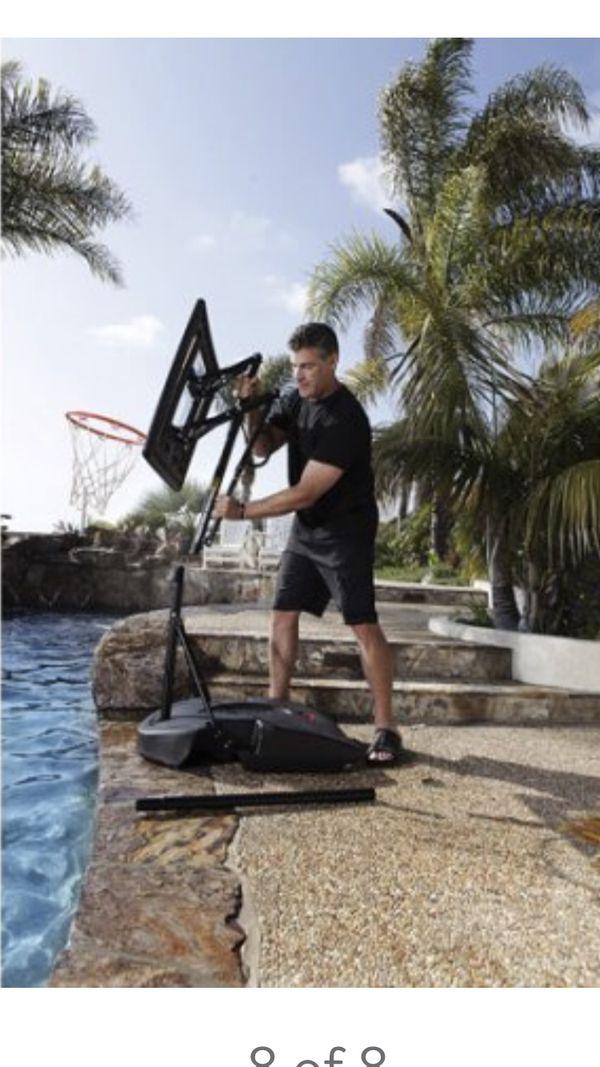Brand new indoor outdoor basketball hoop( sklz pro mini hoop system)