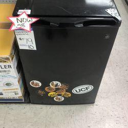 Mini-fridge for Sale in Orlando,  FL