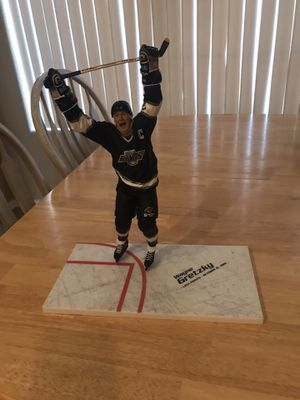 Wayne Gretzky Figure for Sale in Surprise, AZ