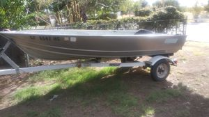 GREGOR. 13FT ALUMINUM BOAT. NO DENTS NO LEAKS. W/ TRAILER... as is for Sale in Stockton, CA