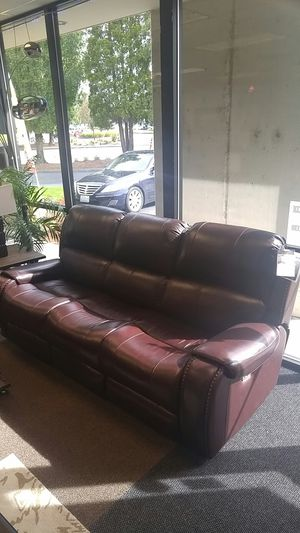 BRAND NEW LEATHER POWER RECLINING AND POWER HEADREST SOFA AND LOVESEAT IN A RICH BURGANDY COLOR for Sale in Portland, OR