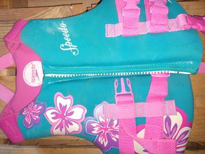 Girls Speedo life jacket for Sale in Lakeside, AZ