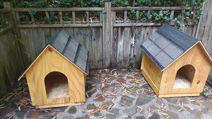 Dog House (Medium Size) for Sale in Stone Mountain, GA