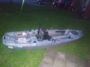 Canoa o bote de pesca for Sale in Houston, TX