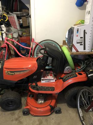 Lawn tractor for Sale in New Albany, OH