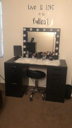 Vanity makeup for Sale in Brandon, FL