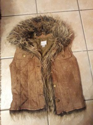 Women's Wilson's leather fur vest size Xs for Sale in Burbank, IL