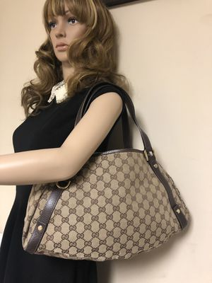 Gucci Abbey D-Ring GG Canvas Ebony Medium HOBO BAG for Sale in Douglasville, GA