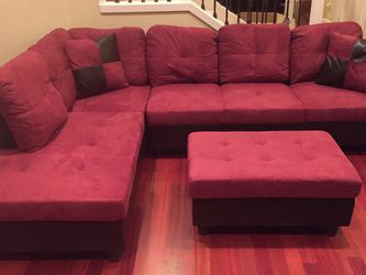 Red Microfiber Sectional Couch And Ottoman for Sale in Newcastle,  WA