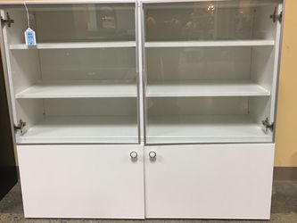 Glass Doored Cabinet Unit for Sale in Bellevue,  WA