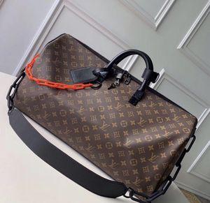Louis Vuitton duffle bag for Sale in Miami, FL
