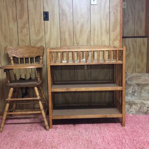 High Chair And Changing Table for Sale in Kennesaw, GA