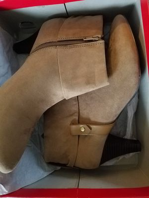 East 5th flex form women's boots size 10M.Brand new for Sale in Renton, WA