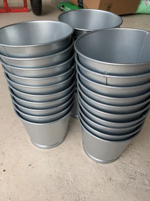 "$8 for 5 galvanized metal planters / 5"" pot / plants/ succulent for Sale in Houston, TX"