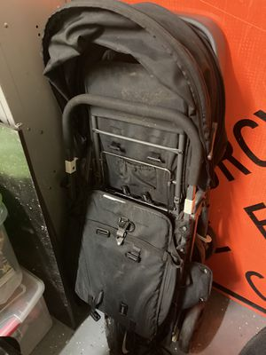 Juuvy caboose double stroller hardly used and car seat! for Sale in Bremerton, WA