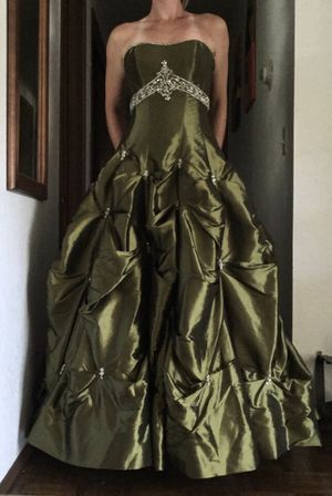 Prom ball gown dress for Sale in Mill Creek, WA
