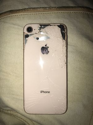 iPhone 8 for Sale in Tampa, FL