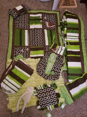 Crib bedding set for Sale in Moreno Valley, CA