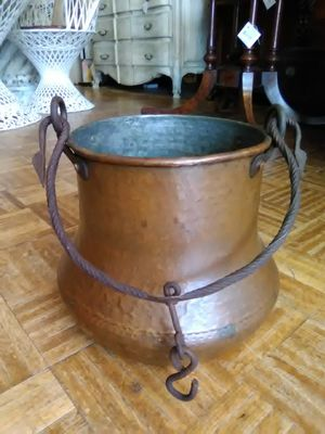 Large copper cauldron hanging planter pot for Sale in Spring Valley, CA