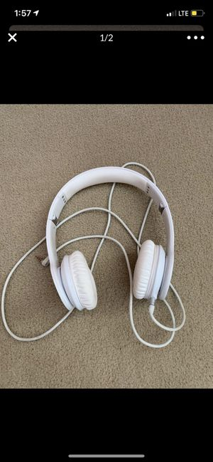 White Beats Solo Headphones for Sale in Edmonds, WA