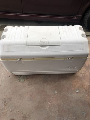 Igloo cooler for Sale in Inglewood, CA